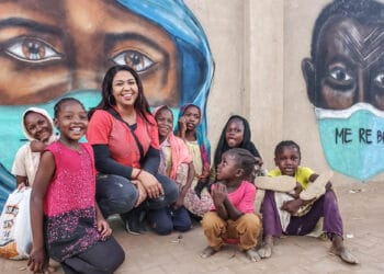 In an interview with DAWN, famed Sudanese visual artist Assil Diab discusses her artwork, her motivation, and how visual art, murals, and graffiti can bring communities together in a time of conflict.​