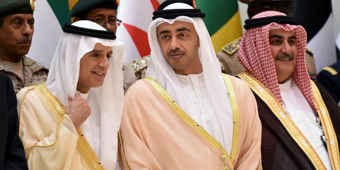 Saudi Arabian Foreign Minister Adel al-Jubeir (L) speaks with UAE's Minister of Foreign Affairs Abdullah bin Zayed Al-Nahyan (C) as Bahraini Foreign Minister Khalid bin Ahmed al-Khalifa (R) looks on following a meeting with foreign ministers and military officials from the Saudi-led coalition, in Riyadh on October 29, 2017. Saudi Arabia on Sunday accused Iran of blocking peace efforts in Yemen, slamming its political archrival over support for the Yemeni rebels Riyadh is fighting against.  / AFP PHOTO / FAYEZ NURELDINE        (Photo credit should read FAYEZ NURELDINE/AFP via Getty Images)