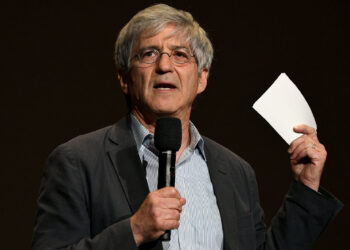 """NORTH HOLLYWOOD, CALIFORNIA - MAY 21: Michael Isikoff presents onstage at """"The Clinton Affair"""" FYC Screening on May 21, 2019 in North Hollywood, California. (Photo by Michael Kovac/Getty Images for A&E)"""